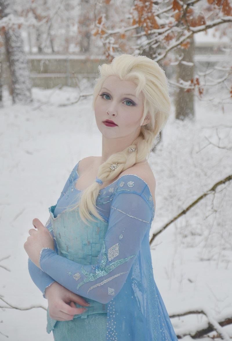 Elsa&Vitas Pantyhosefucking Cute Mature Bitch