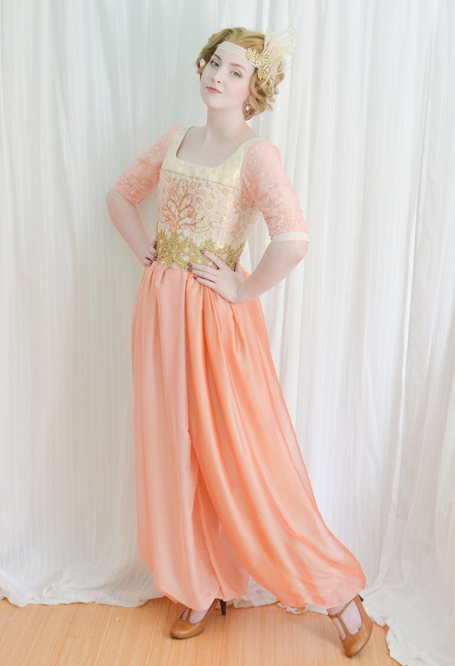 sybil-inspired-costume-915233