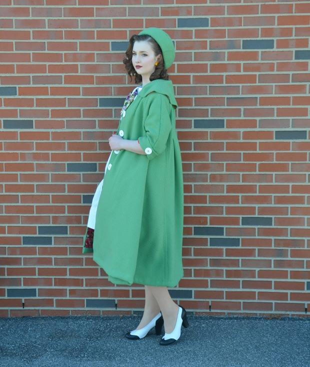green coat (10 of 10) RESIZE